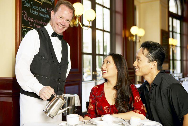 personalized service restaurant waiter hospitality management