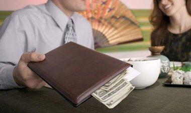 how increase tips waiter restaurant